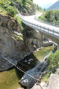 The easiest cable bridge and the roadway