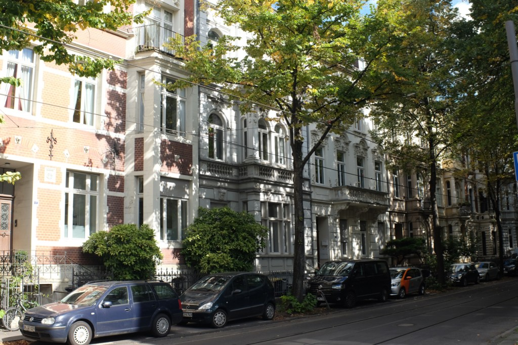 Leafy streets and townhomes in Bonn