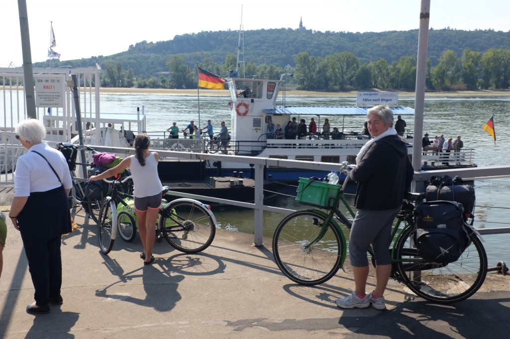 Waiting for the ferry to Bingen