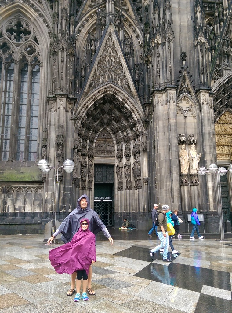 Jette and Waco at the Koln Cathedral