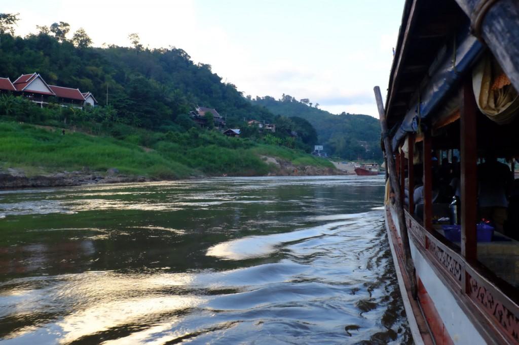 Approaching Pak Beng