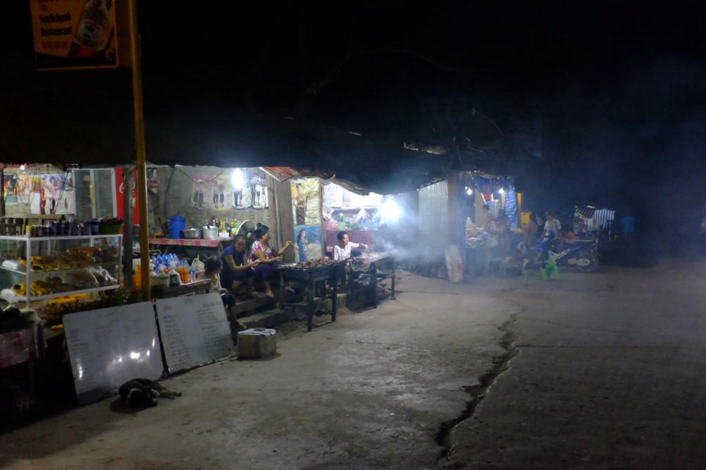 Pak Beng main street