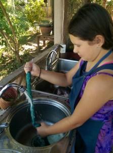 Rinsing indigo silk