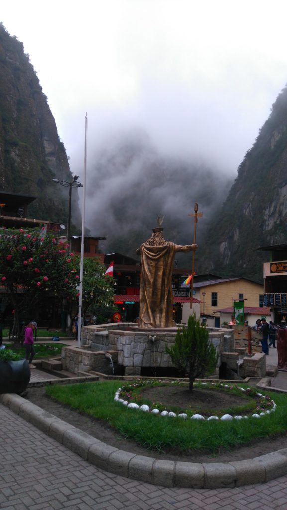 Statue of Pachacutec in Aguas Calientes
